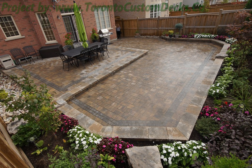 Backyard patio ideas flagstone - Toronto Custom Deck Design Pergolas Fences Outdoor