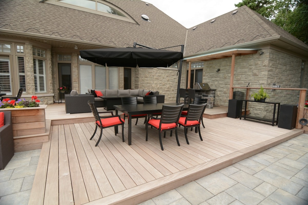 Toronto Custom deck design, pergolas, fences, outdoor kitchens, landscaping & interlocking